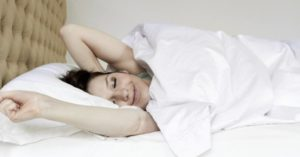 dormir avec un matelas orthopédique pas cher et garder son sourire